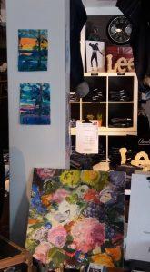 Några av Annika Berglöfs målningar visades vid kulturkalaset.